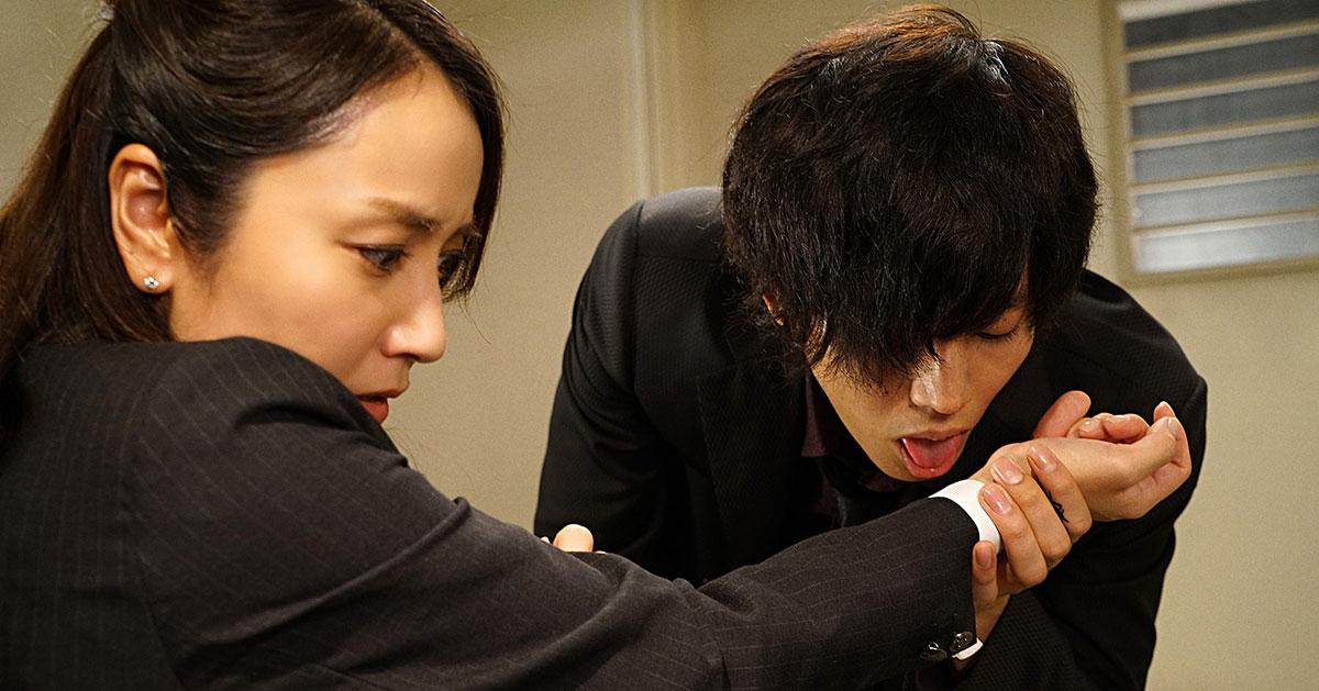 松坂桃李、セクシーすぎて危険!『不能犯』より新たな画像が解禁