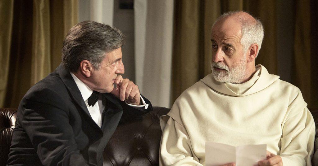 イタリアの鬼才が作り上げたスタイリッシュな異色ミステリー『修道士は沈黙する』